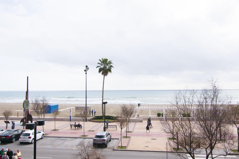 Piso de tres dormitorios en venta en primera línea, Los Boliches, Fuengirola