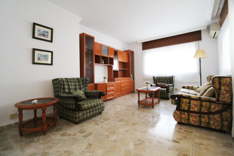 Piso de 4 dormitorios en venta en calle Málaga, Fuengirola