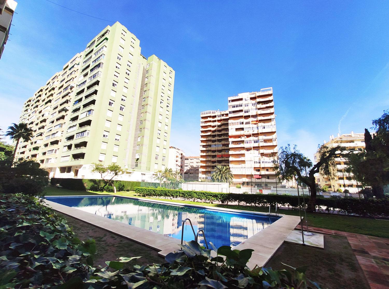 Piso de 3 dormitorios en venta en calle Santa Lucía, Los Boliches, Fuengirola