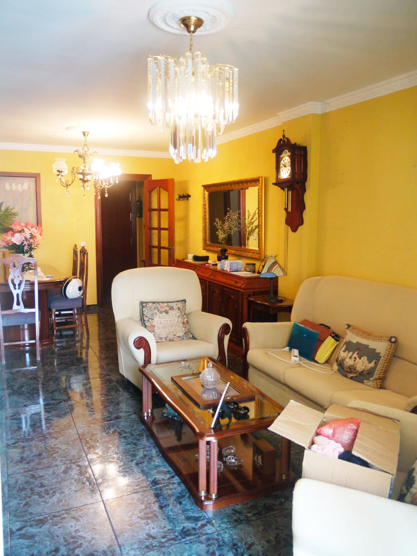 Piso de 3 dormitorios en venta en calle Boquetillo, Fuengirola