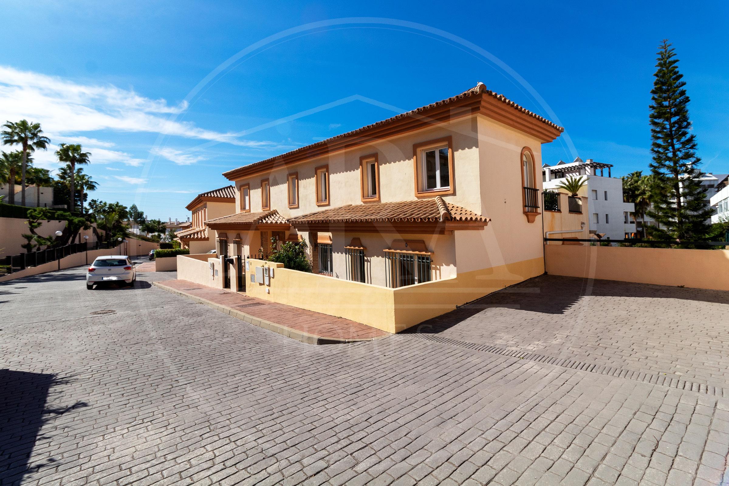 Se vende chalet pareado en Riviera del Sol, Mijas costa.