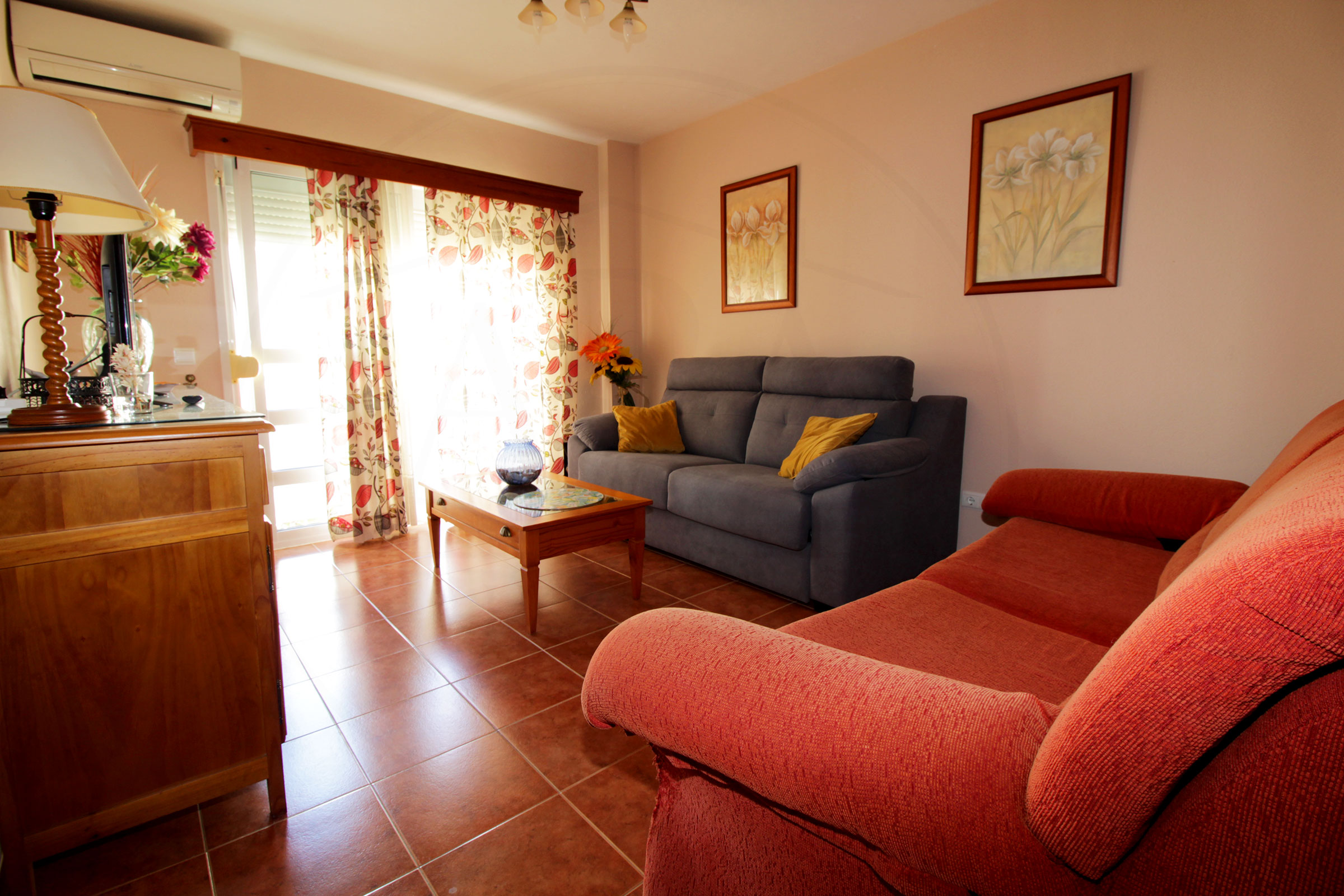 Long-term apartment for rent in the heart of Fuengirola.