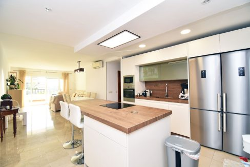 Apartment for sale with parking and storage room